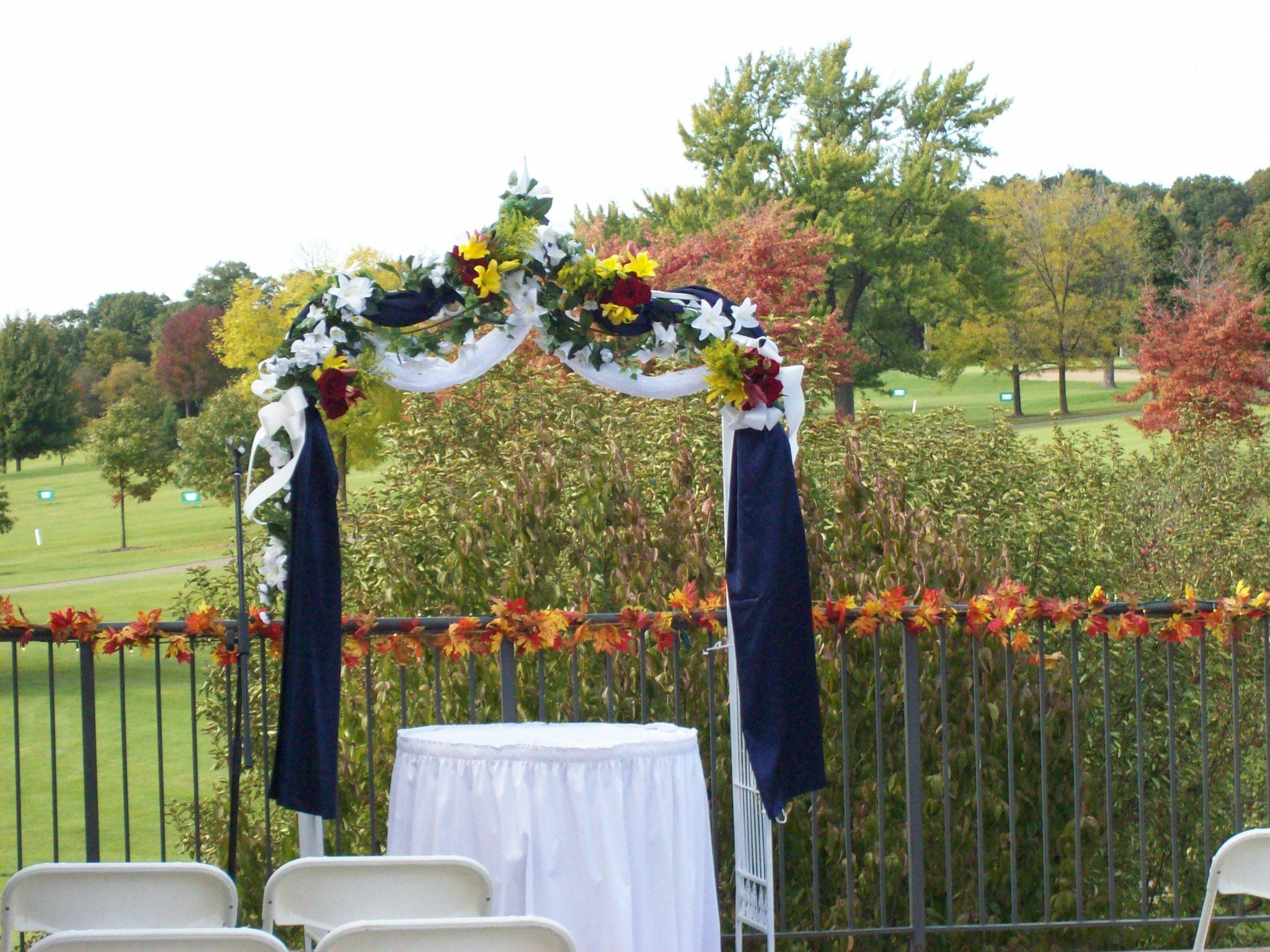 Decorating A Trellis For A Wedding Outdoor Wedding Ceremonies Bartletthillsweddingblog